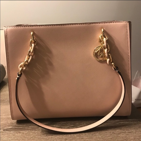 92889ec6c878 Michael Kors Bags | Nwt Sofia Large Saffiano Leather Tote | Poshmark